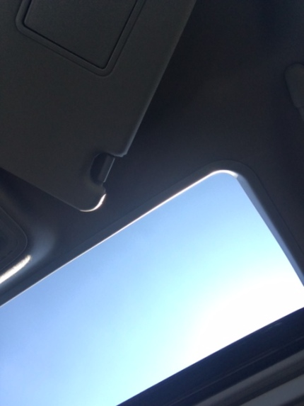 open sunroof.JPG